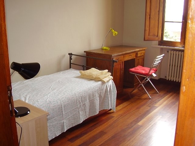 Single room in lighty apartment close to the centre for Stanze studenti siena