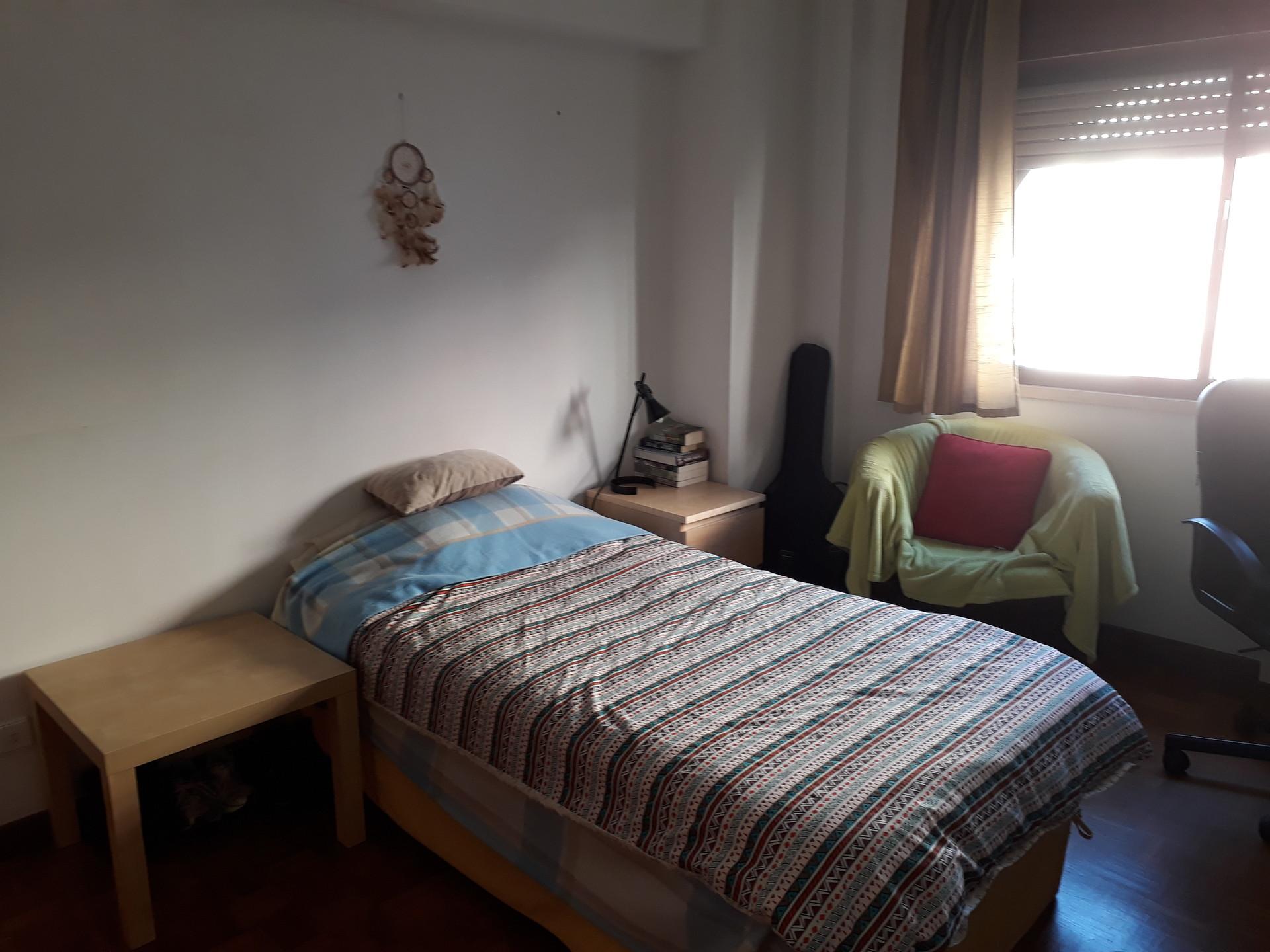 single-room-private-bathroom-good-location-31c9f54f014e79c7231f6780e50fda39
