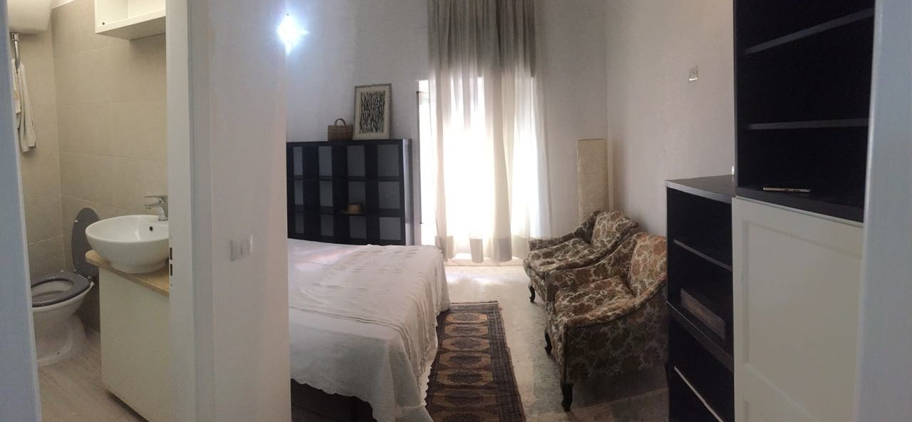 SINGLE ROOM with PRIVATE BATHROOM/ Stanza singola con bagno privato ...