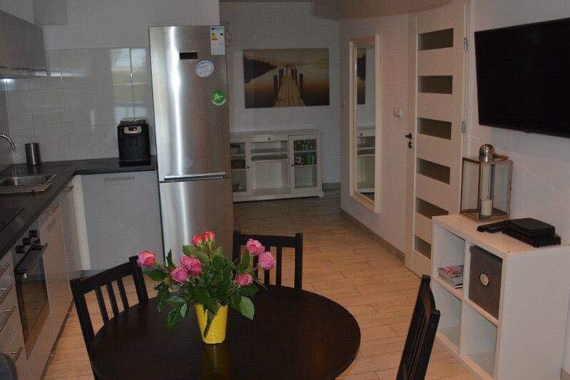 single-rooms-modern-student-flat-warsaw-e55b7172b18417d5db10c00e8abeb78e