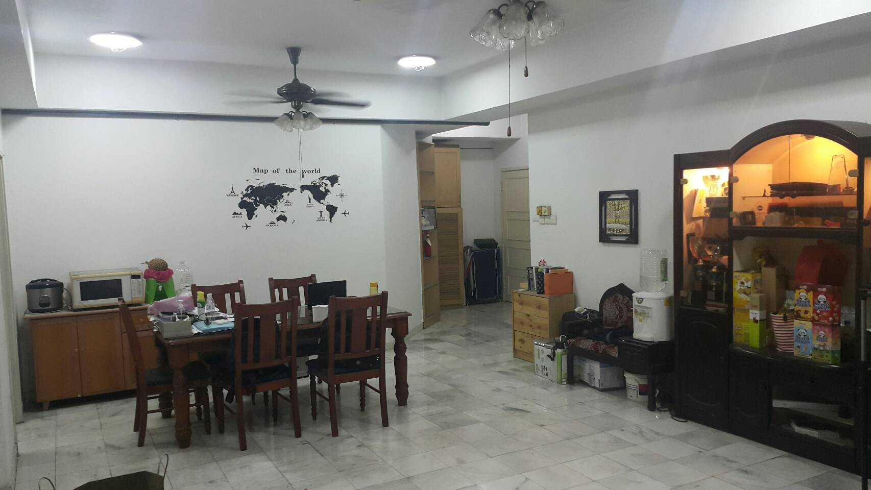 small-middle-room-rent-all-female-housemates-4a92f0b8e02c9a64a7fe91ded221b48f