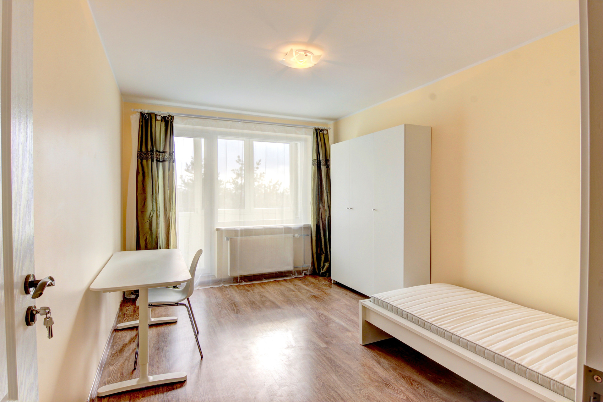 Snug room in 5-room apartment in Baltupiai area