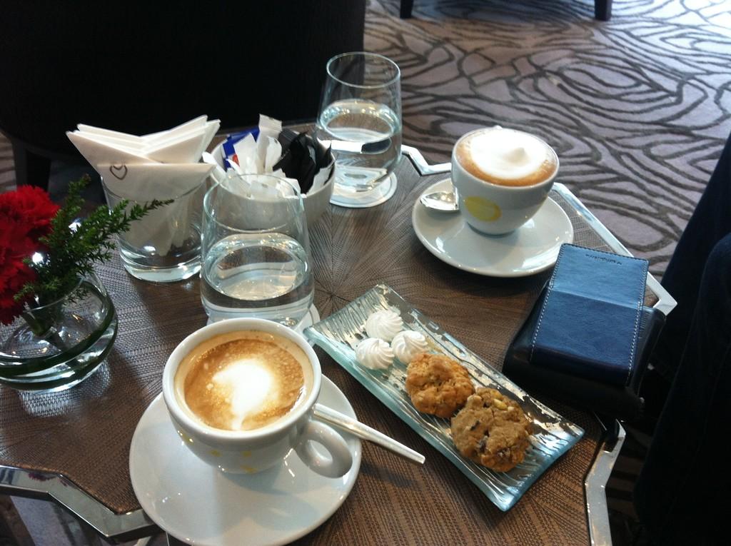 SOFITEL BANGKOK SUKHUMVIT | KAWA W DOBRYM STYLU