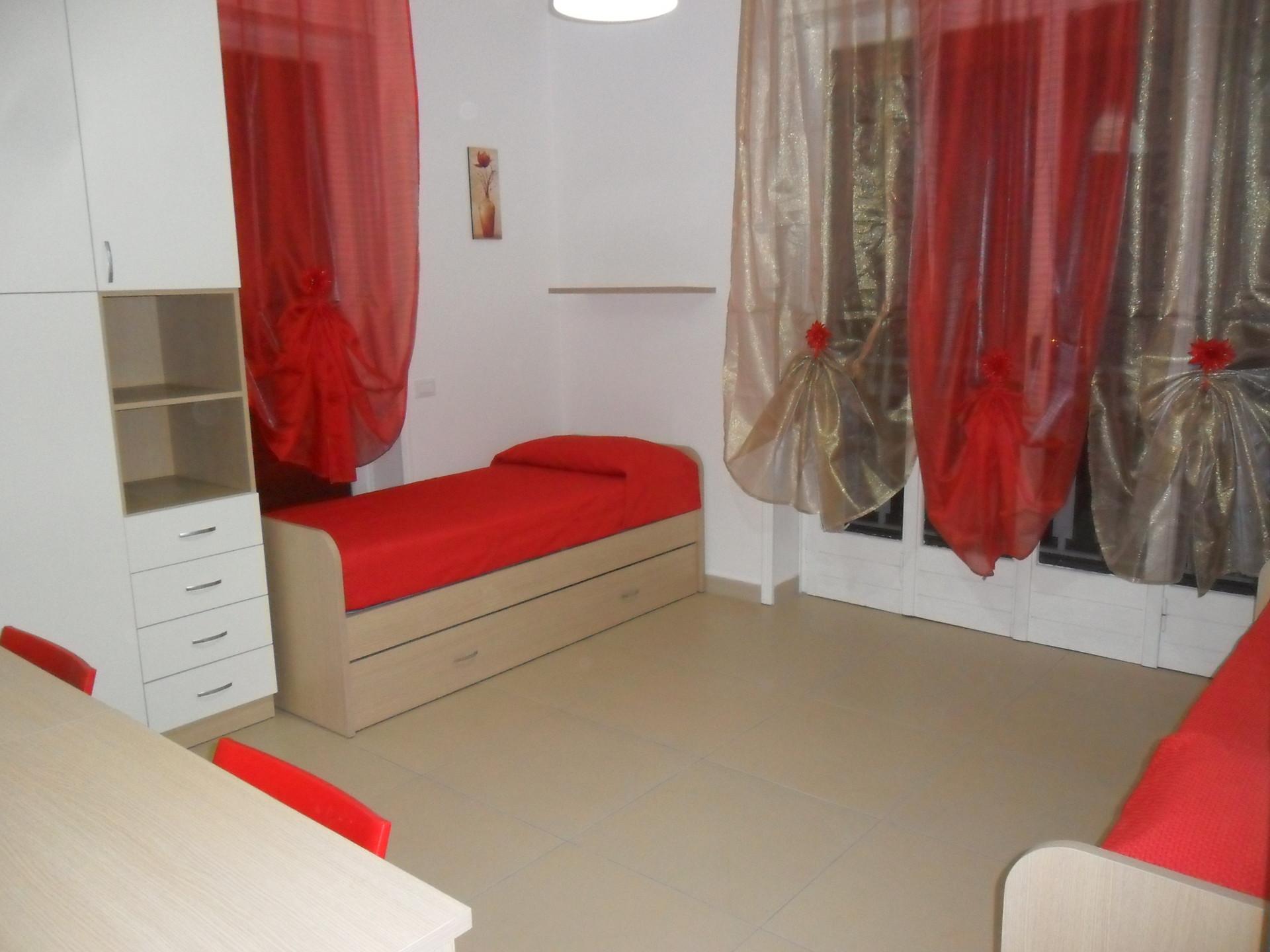 ... letto per ragazza in luminosa stanza doppia  Stanza in affitto Milano
