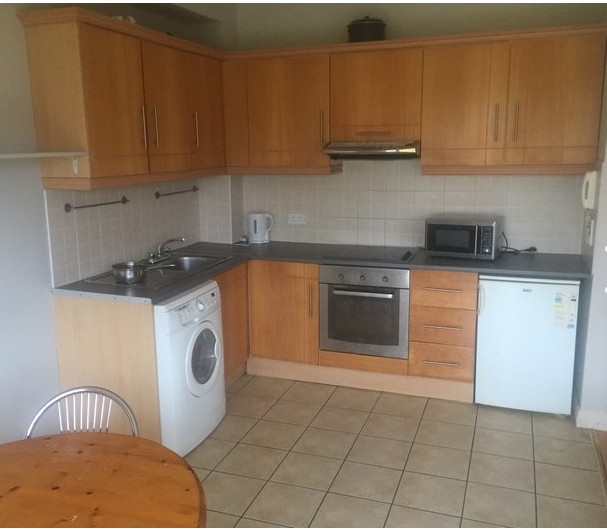 Spacious 2 bed ground floor apartment to let.
