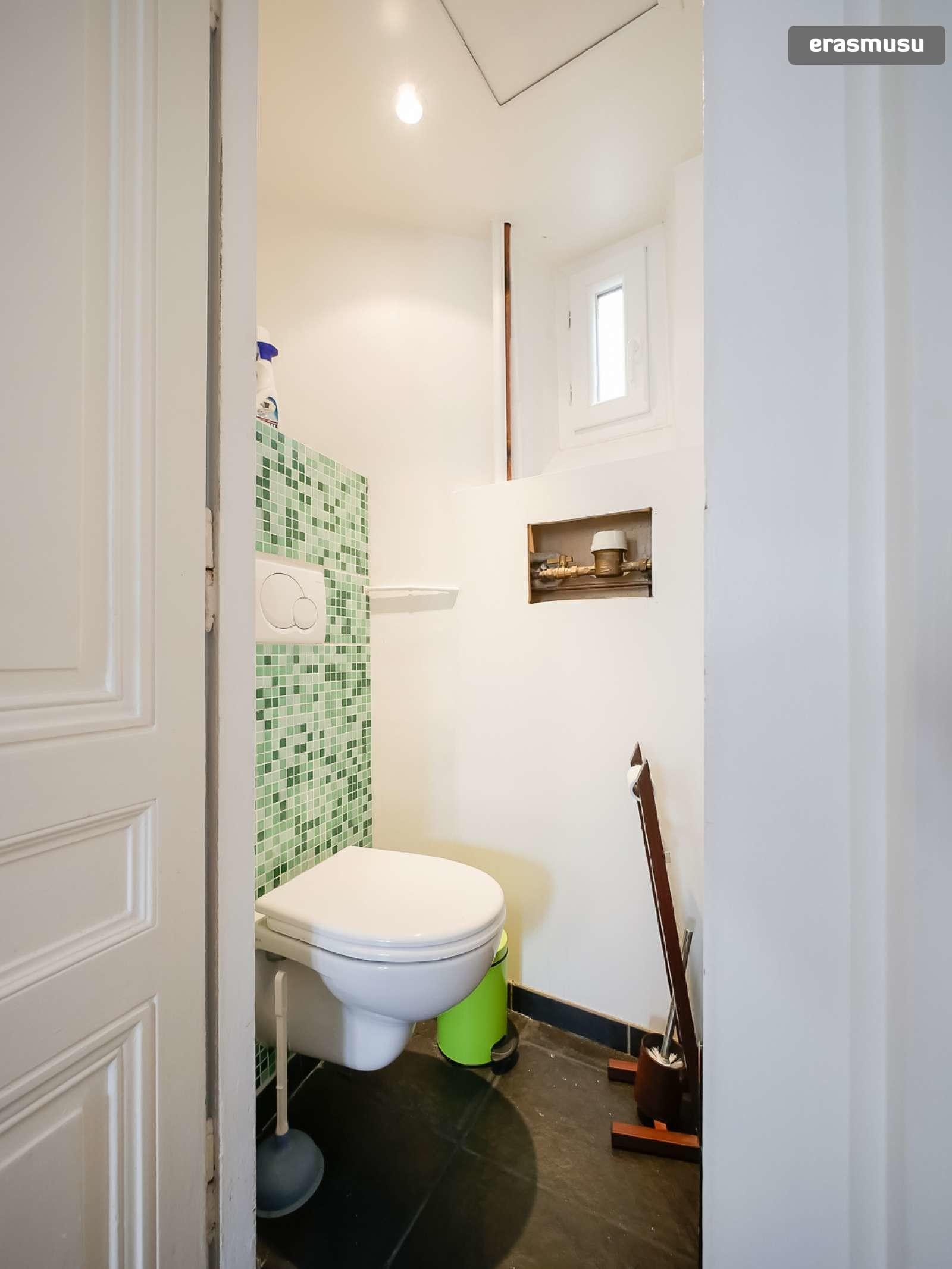 spacious-2-bedroom-apartment-rent-cordeliers-4f3b8c5194ac99361da