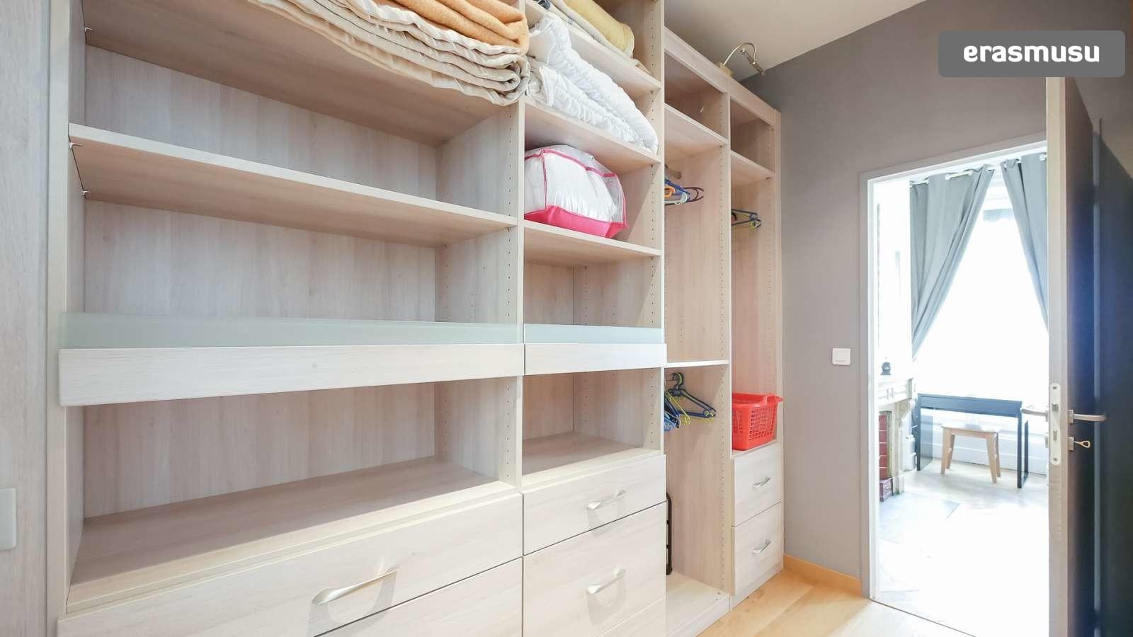 spacious-2-bedroom-apartment-rent-cordeliers-dc472de81fce5bc81b4