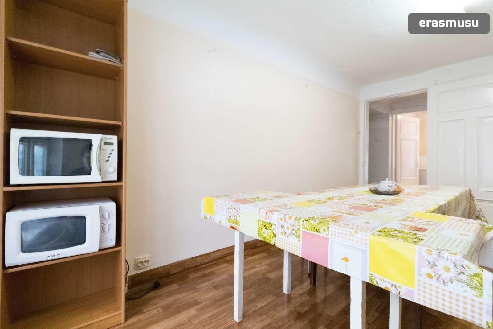 spacious-3-bedroom-apartment-rent-avoti-153cf86eb4b0472f5ffe3125