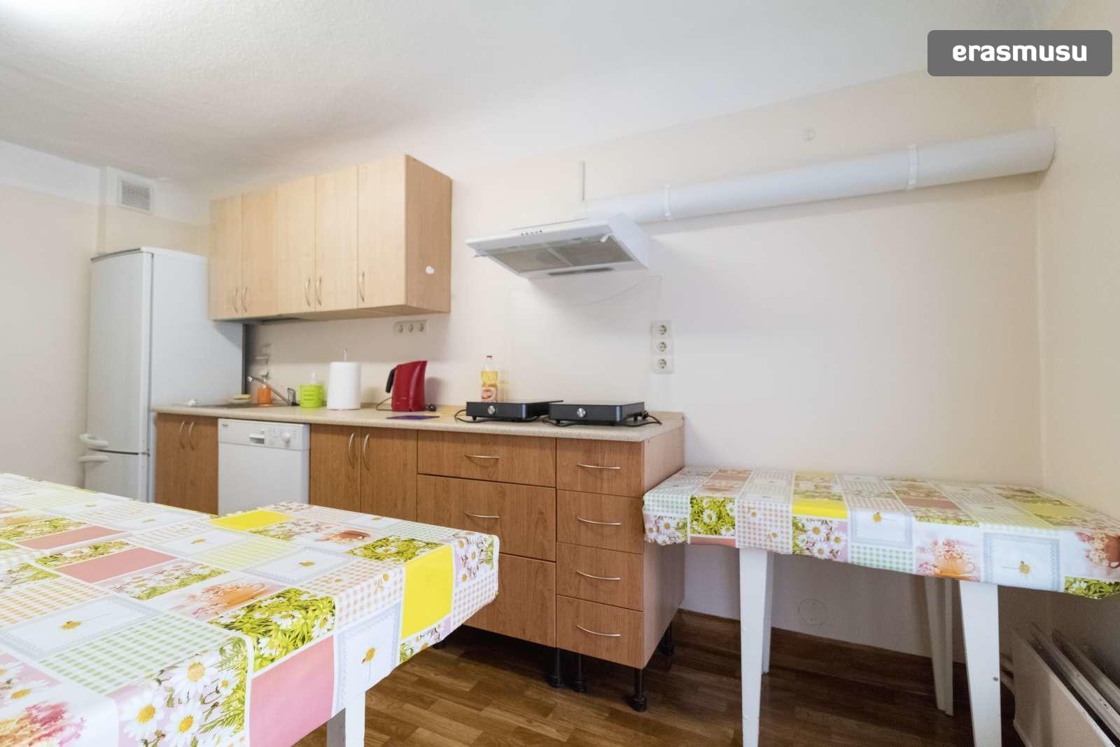 spacious-3-bedroom-apartment-rent-avoti-801fed75743ab7d5e66e141c