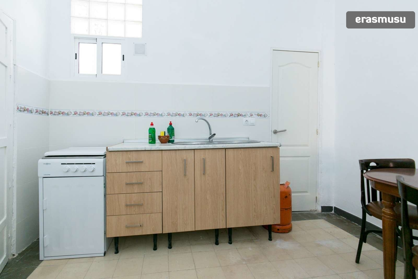 spacious-3-bedroom-apartment-rent-realejo-ff4e700faa237733530e4a