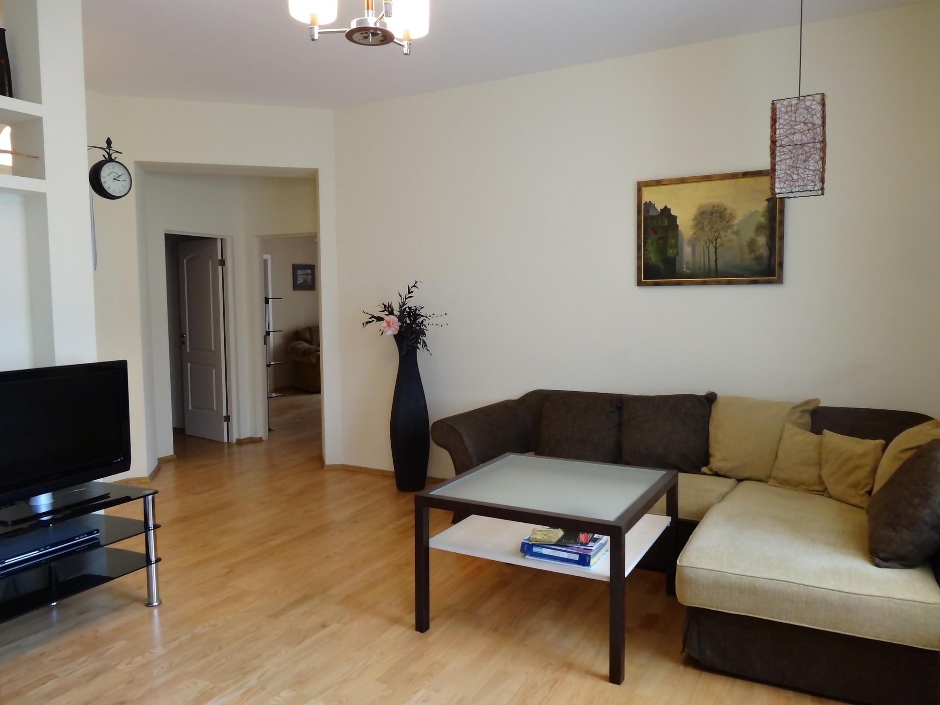 spacious-4-room-apartment-in-quiet-embassy-district-riga-center-ec69dfa80523762920548a99780461c3