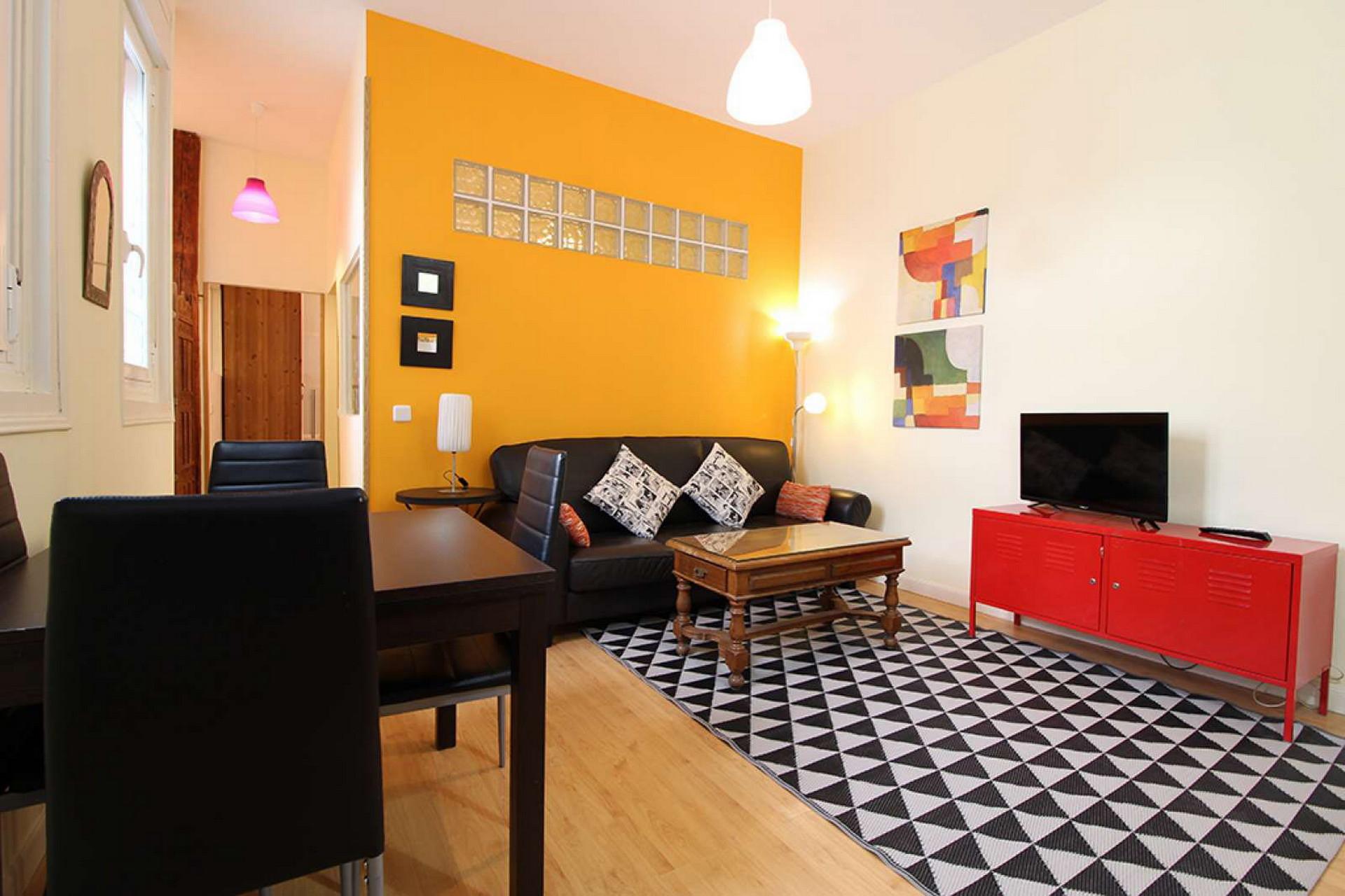 Spacious apartment Plaza de España-Gran Via-Malasaña ALL BILLS I