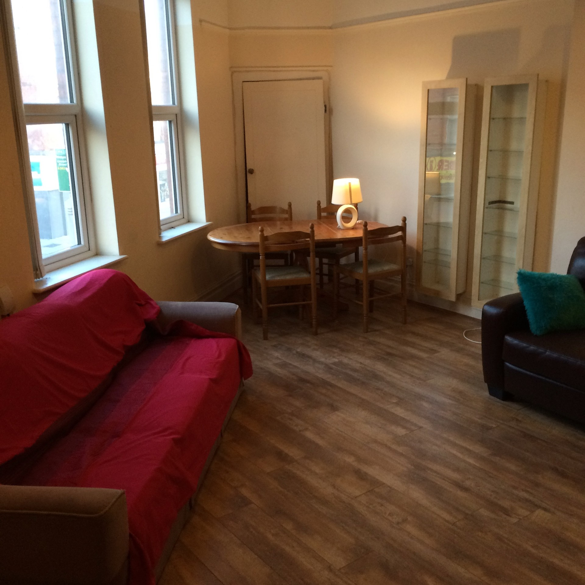 Spacious and bright, furnished double room, all bills included,
