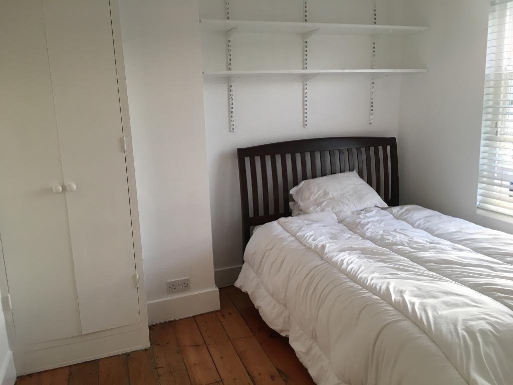 Spacious Double Bedroom in Brighton
