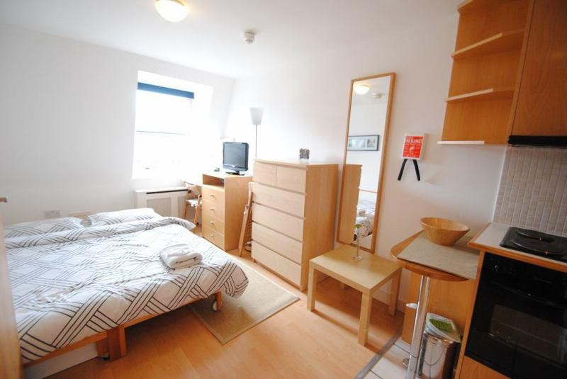 Spacious double rooms to rent in a sought after Clifton location ...