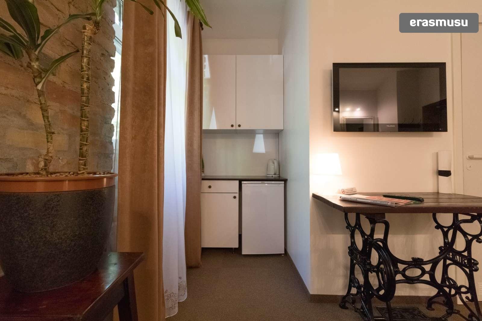 spacious-ensuite-room-kitchenette-rent-agenskalns-7fe3d4f2262678