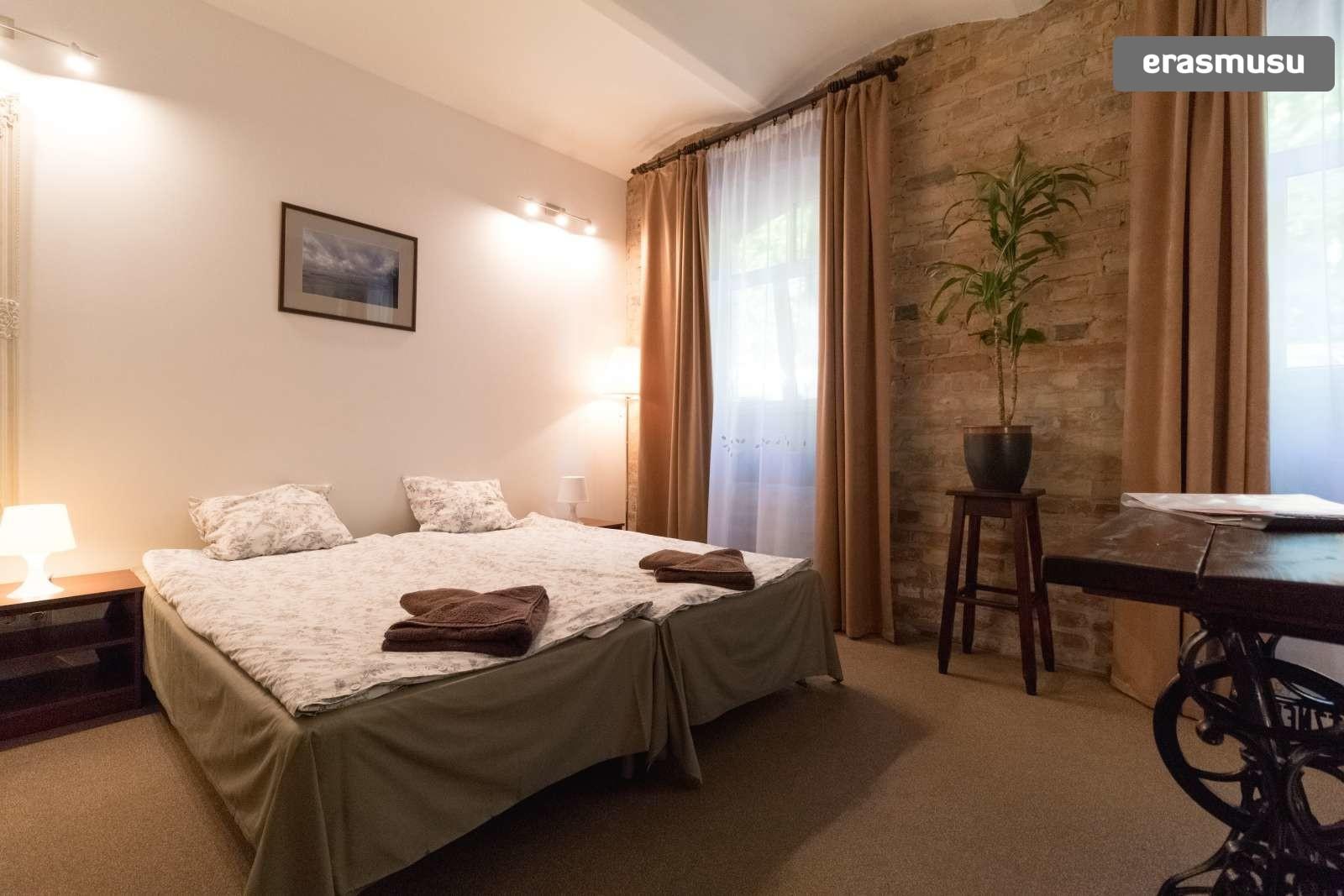 spacious-ensuite-room-kitchenette-rent-agenskalns-f680da797a9256