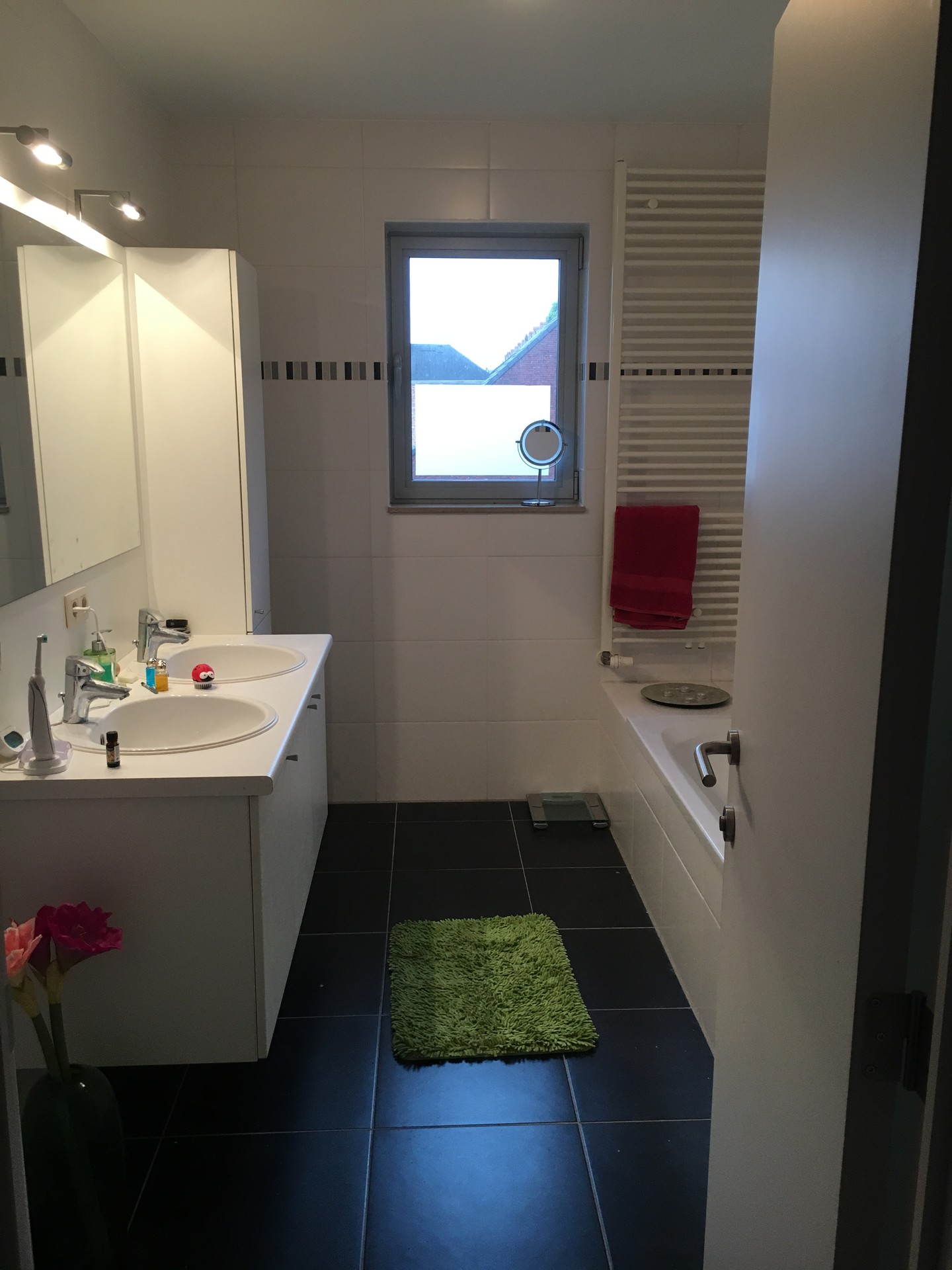 spacious-fully-furnished-flat-2-rooms-27b0985c40fcbbdb952059d3898db930