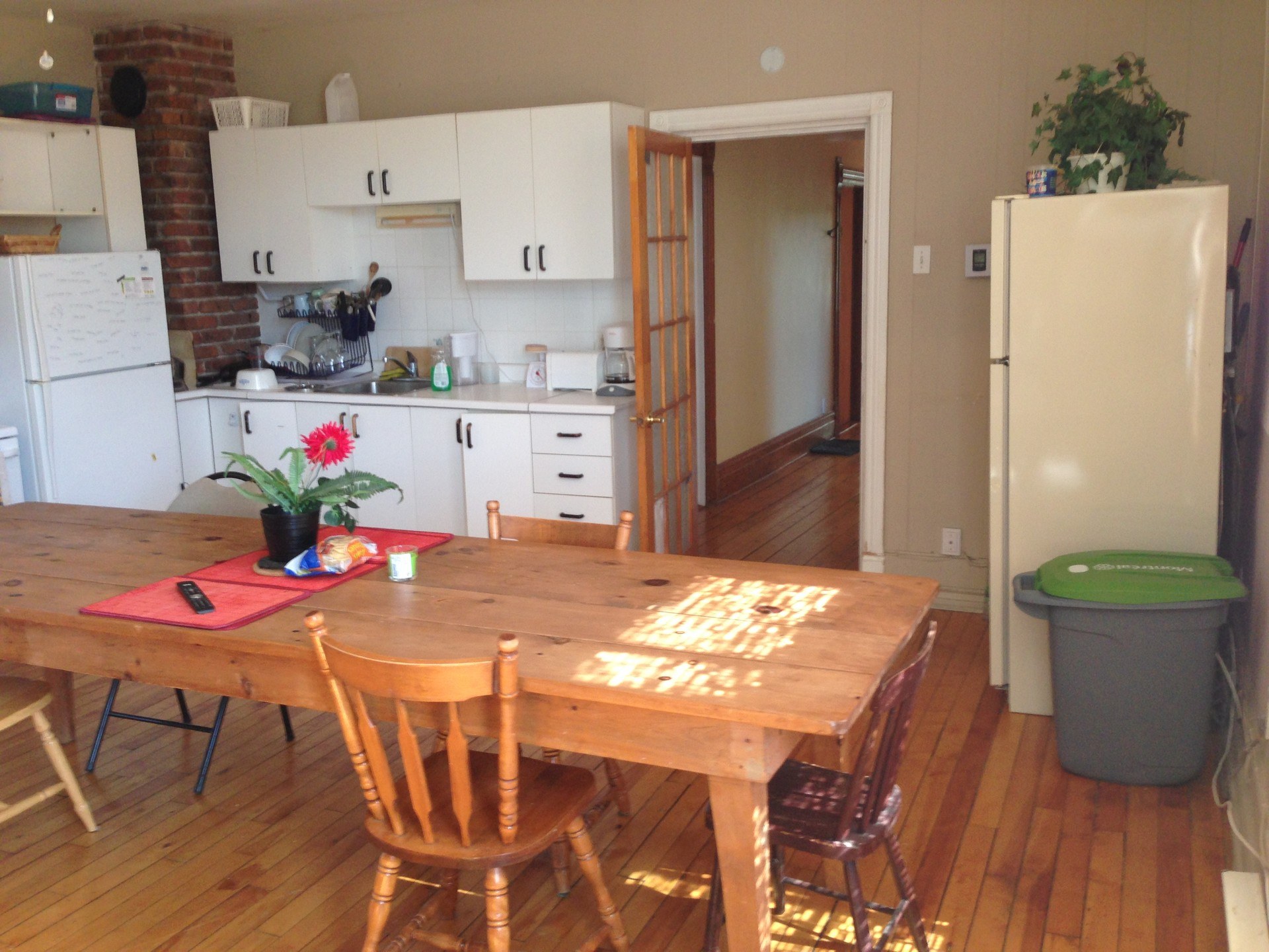 spacious-furnished-room-students-a9cd52e