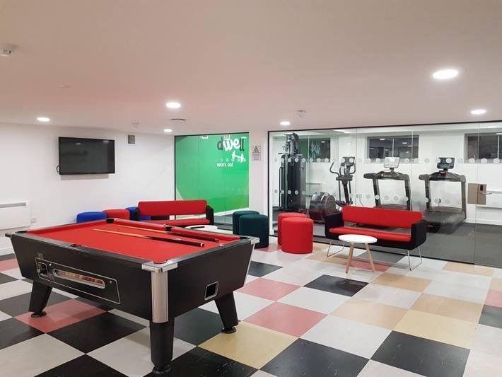 spacious room in Bristol