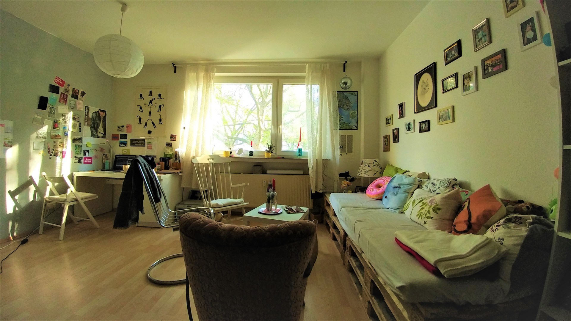 spacious-room-central-flat-available-aug