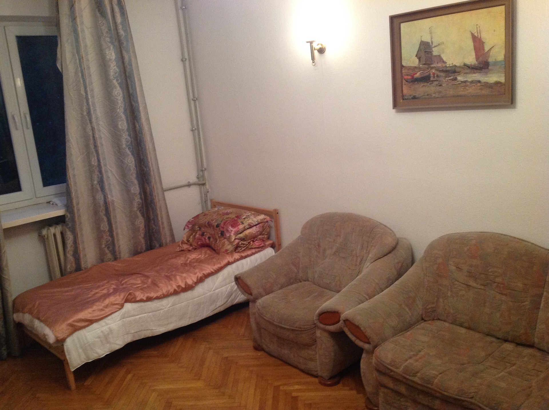 spacious-room-pretty-location-warsaw-2a0e2f8c7fc6505b9515ef0ad73d6b8c