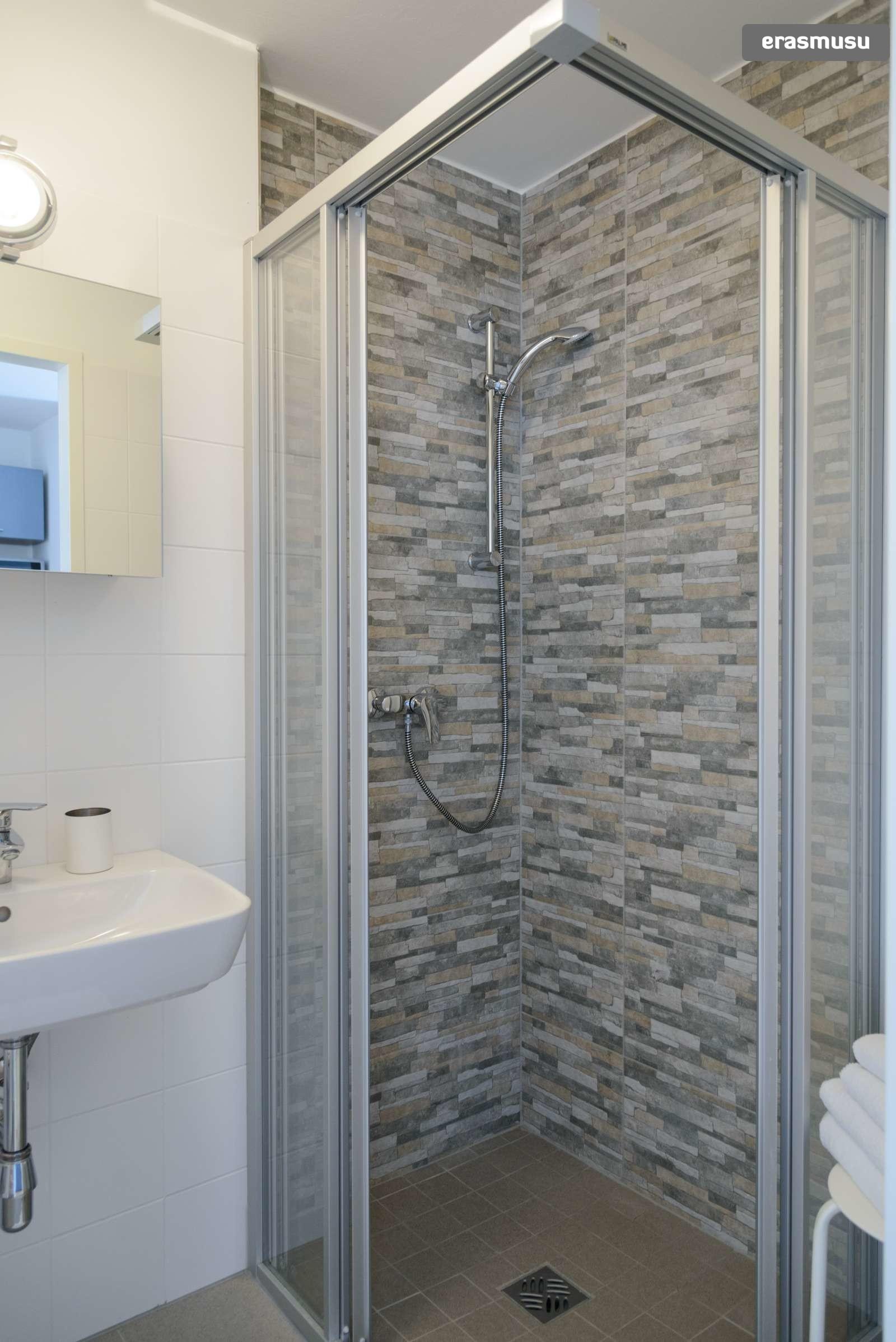 spacious-studio-apartment-rent-aspern-area-donaustadt-c249e165aa