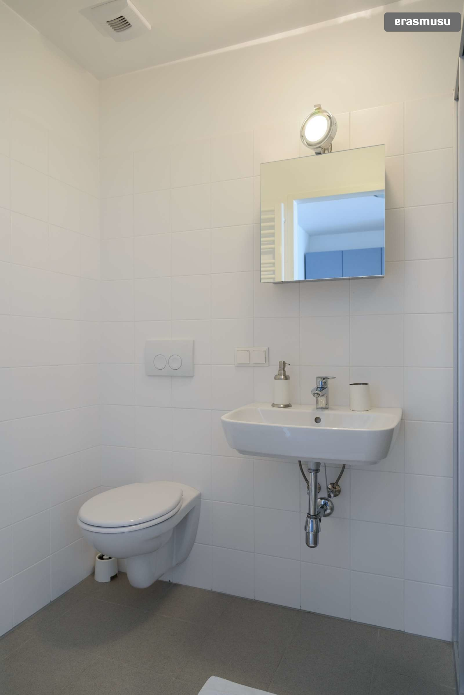 spacious-studio-apartment-rent-aspern-area-donaustadt-d8443ad626