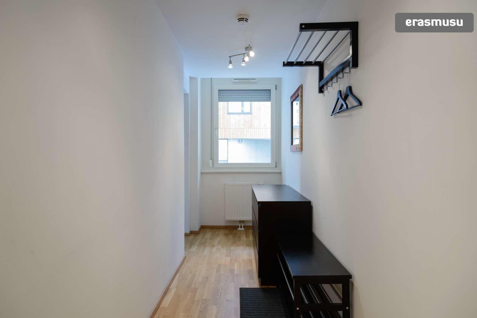 spacious-studio-apartment-rent-aspern-area-donaustadt-ff6b986932