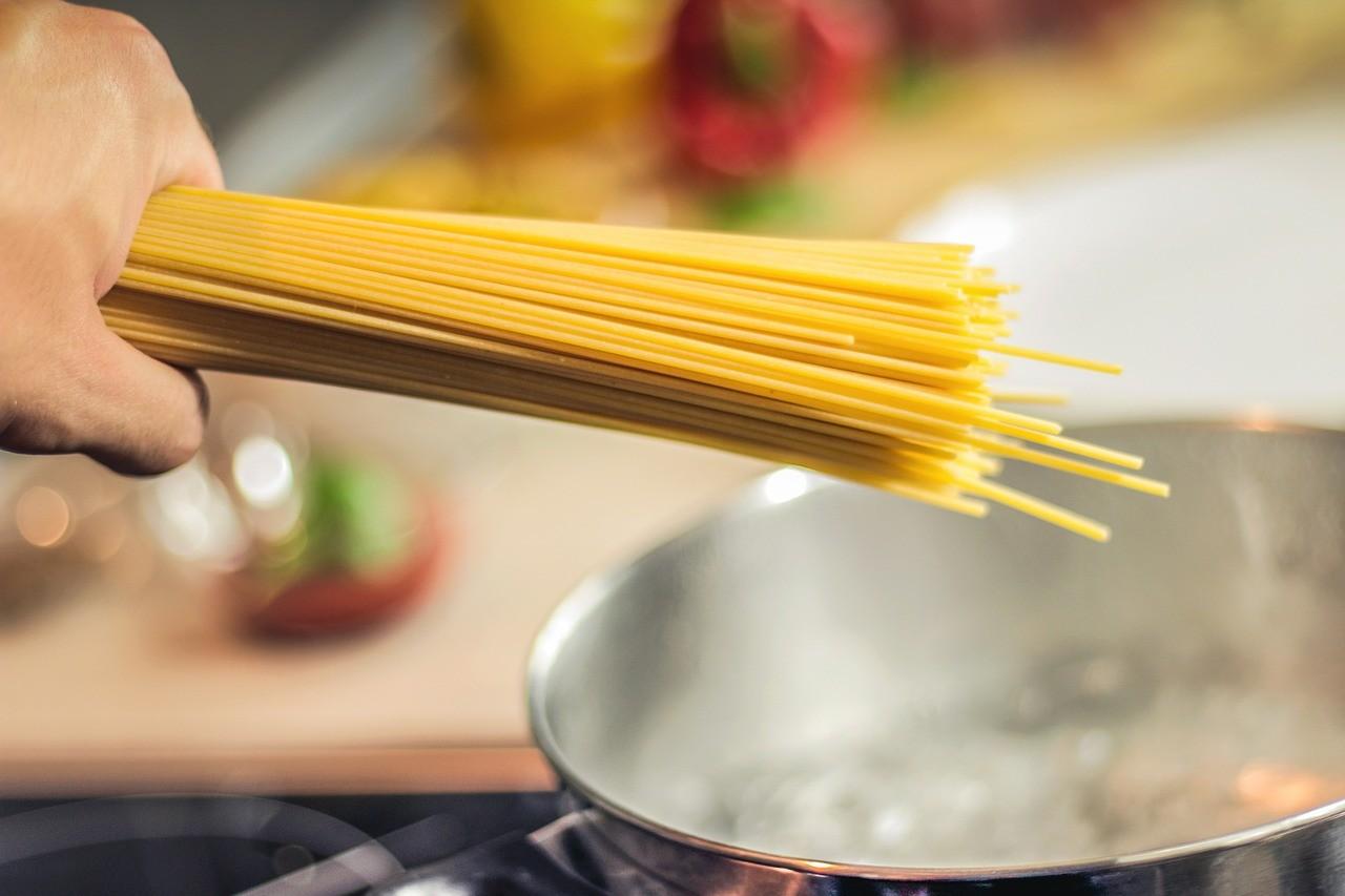 spaghetti-tomatoes-recipe-5852f8a96937f3