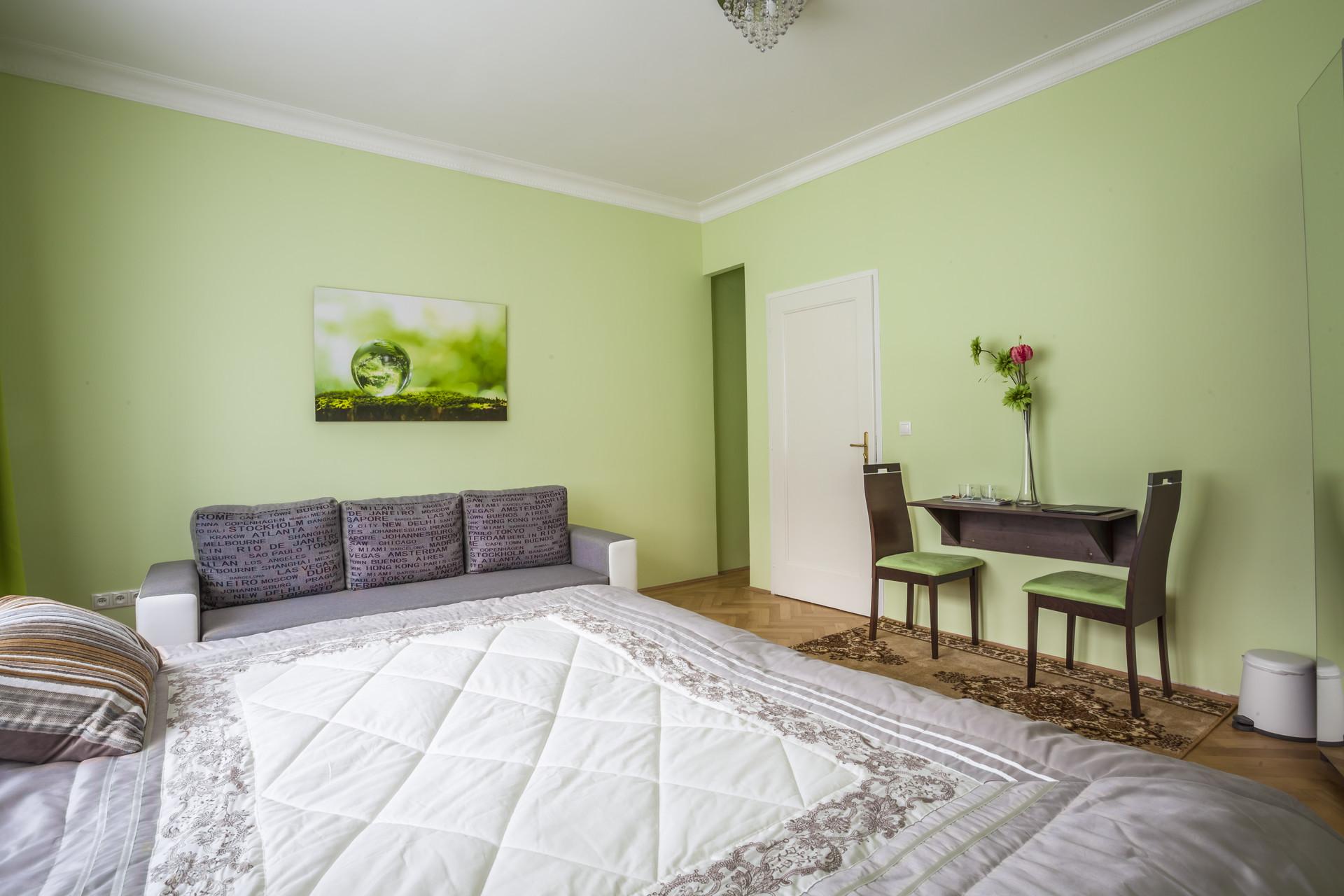 specious-4bed-apartment-short-long-term-2c185098ead7261f74d86c9ab2e1427a