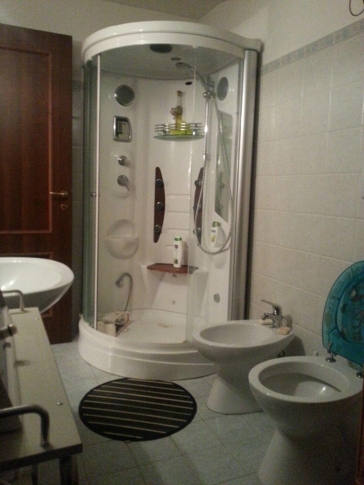 Stanza con bagno privato  Stanza in affitto Roma