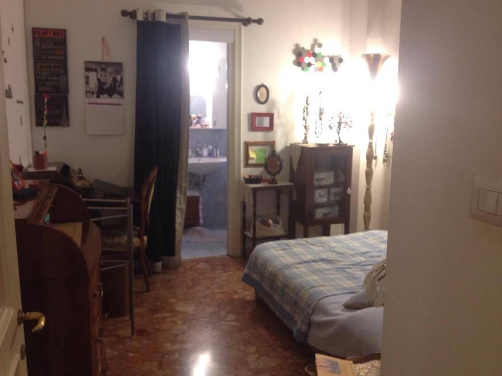 Stanza con bagno in bellissimo appartamento a roma - Stanza con bagno privato roma ...