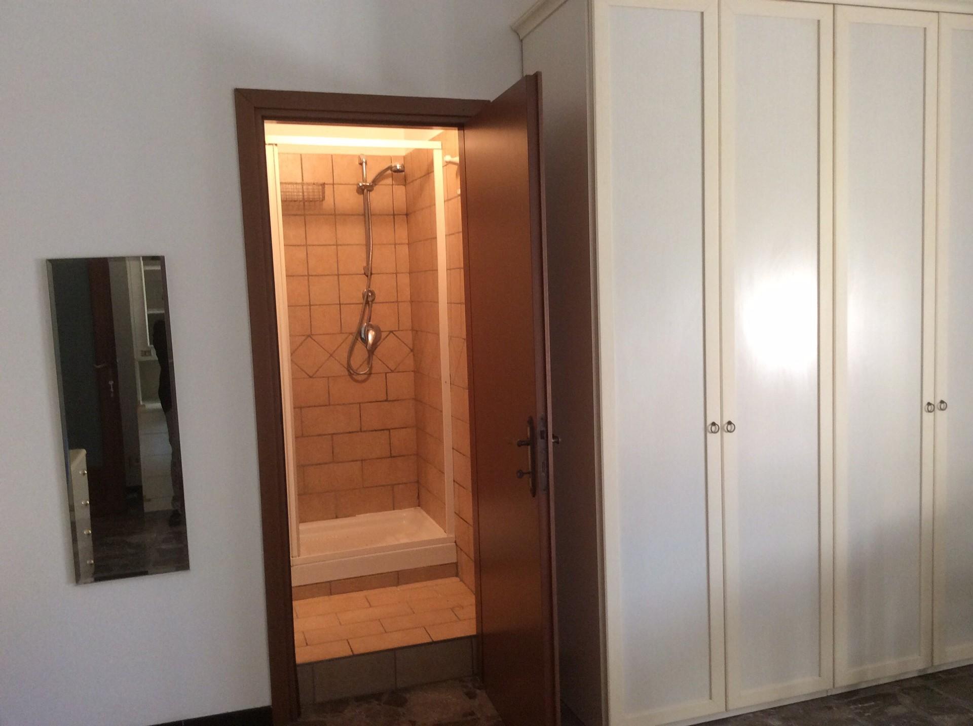 Stanza bella e luminosa con bagno privato a Roma | Stanza in ...