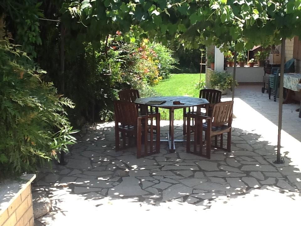 Stanza doppia con bagno entrata indipendente in villino ad ostia antica residenze - Stanza con bagno privato roma ...