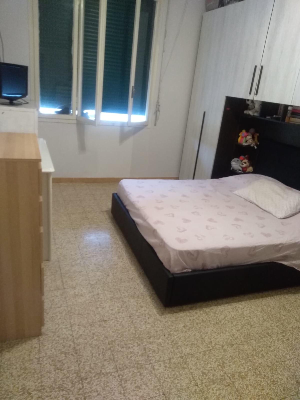 Camera Matrimoniale Per Uso Singolo.Stanza Doppia Per Coppia Anche Uso Singolo Room For Rent Bologna