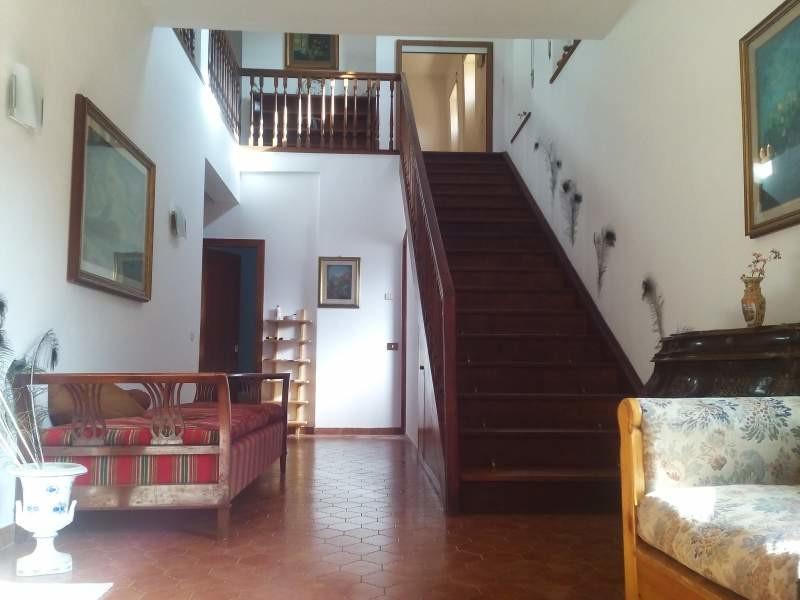 Stanza con letto a castello matrimoniale e balcone | Stanze in ...