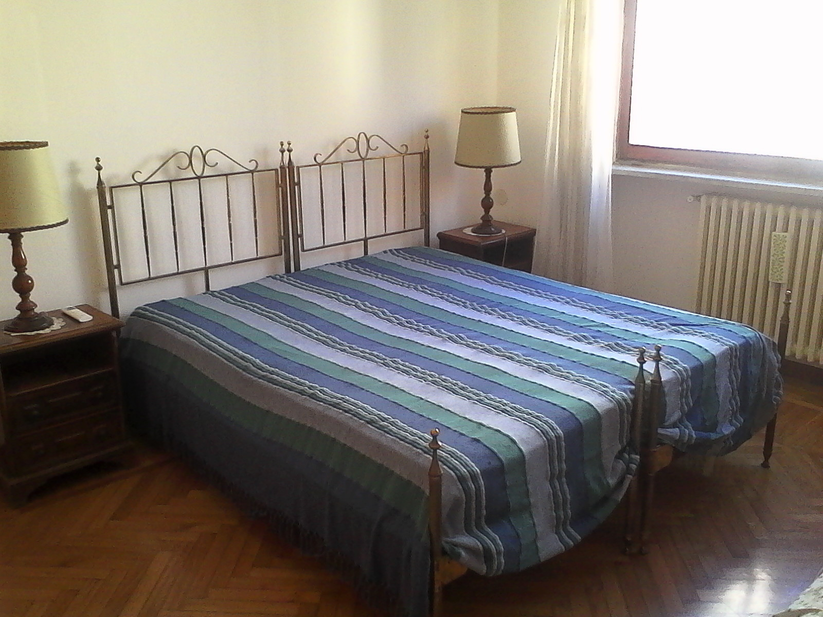 Armadio Camera Letto Matrimoniale.Room For Rent In 3 Bedroom Apartment In Latina Girls Only And With