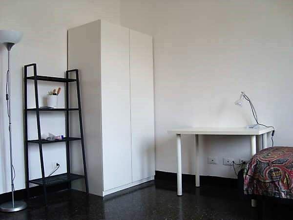 Stanza con due posti letto, uso doppia o singola