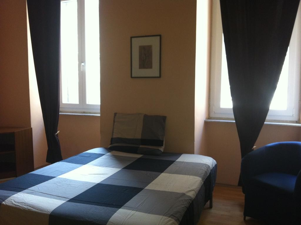 Letto Matrimoniale A Trieste.Room For Rent In 4 Bedroom Apartment In Trieste