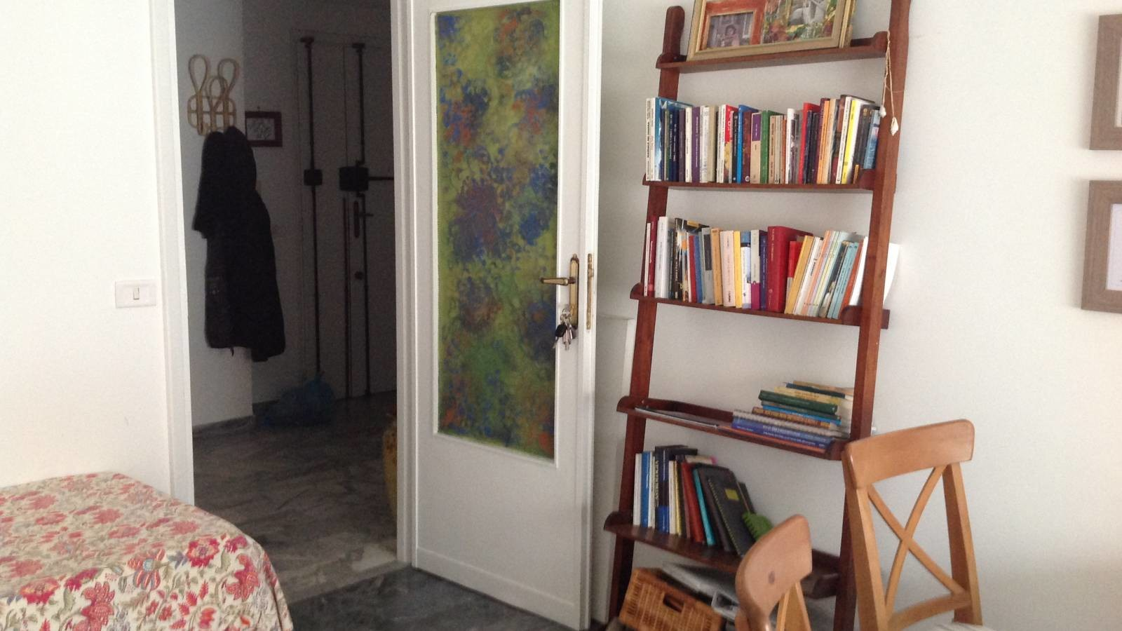 Room for rent in 3 bedroom apartment in rome girls only for Stanza studio roma