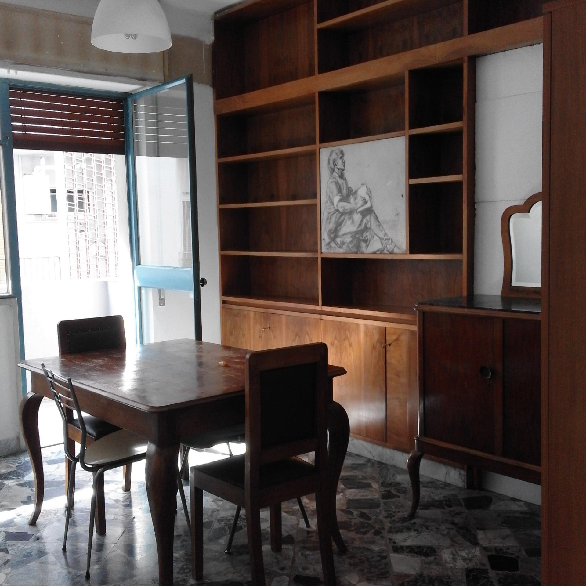 Stanze singole per studentesse serie e simpatiche stanza for Stanze in affitto bari