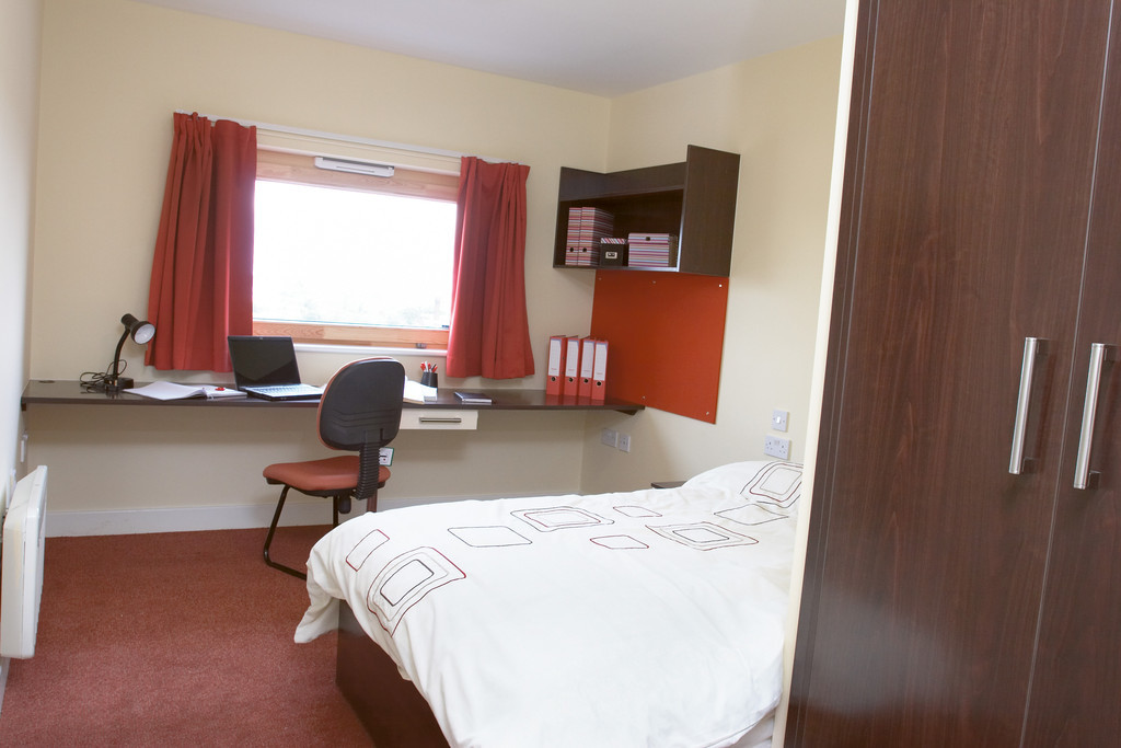 Student Accommodation In Wolverhampton University Dorm