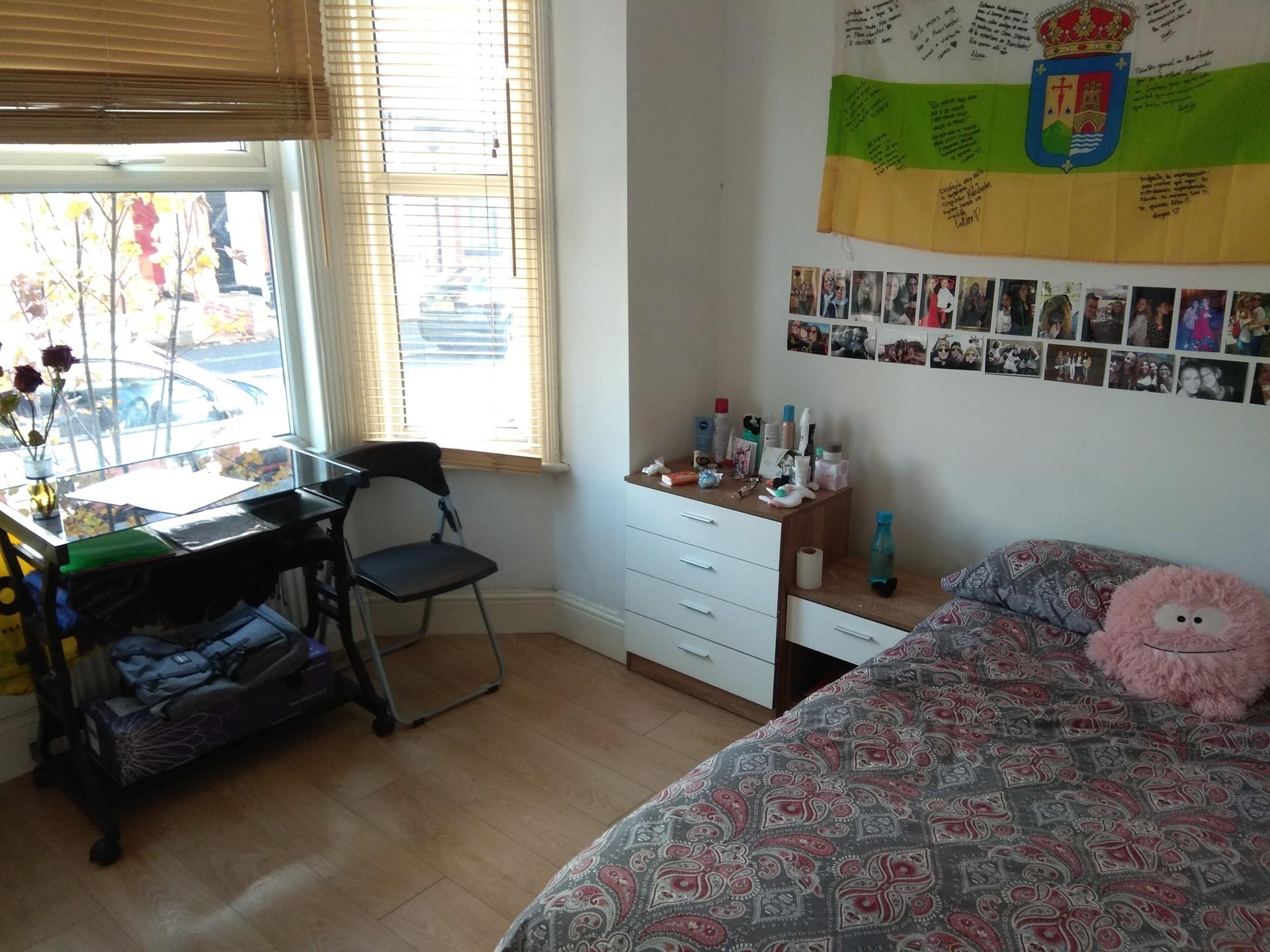 student-room-fallowfield-f7af370c681b3da7402c6da1bb701e5a