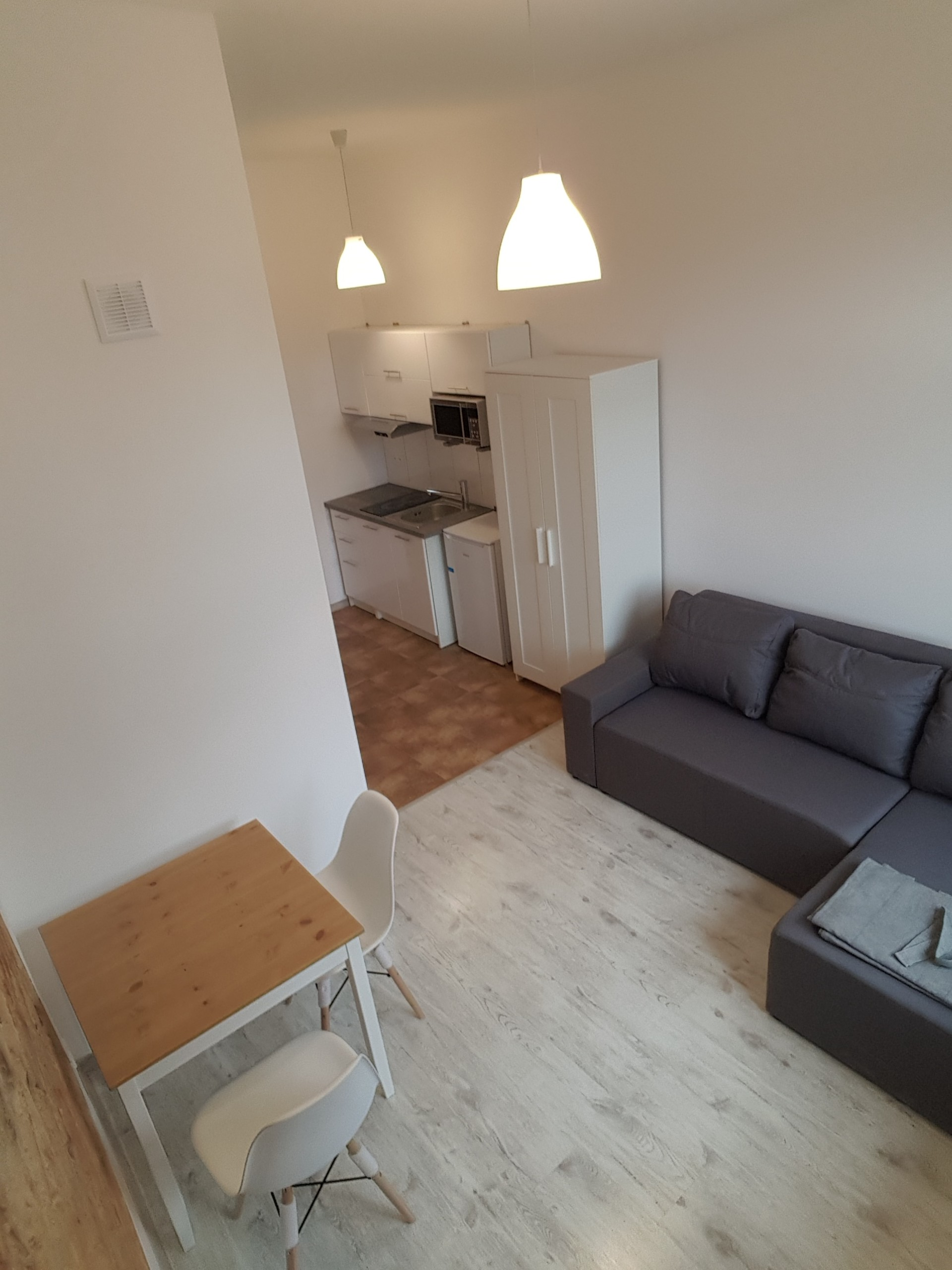 Studio for rent in Poznan with storage area