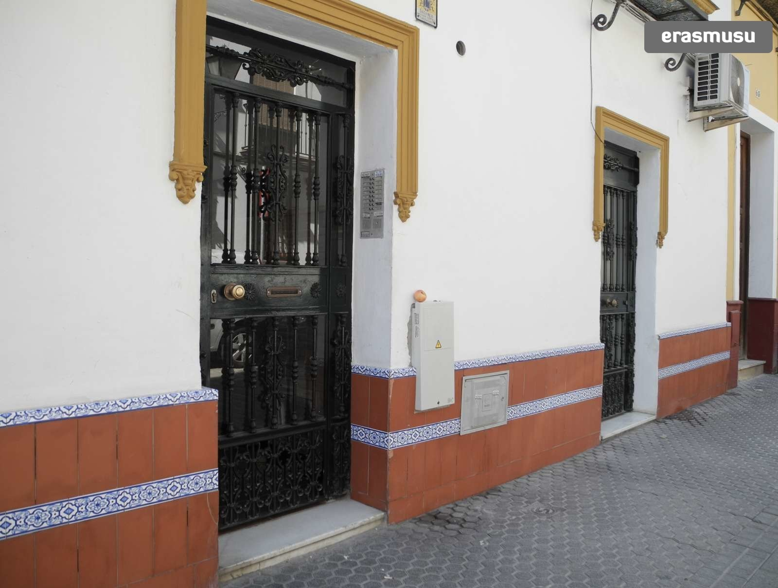 Studio Apartment With 2 Single Beds For Rent In Centro Rent Studios Sevilla