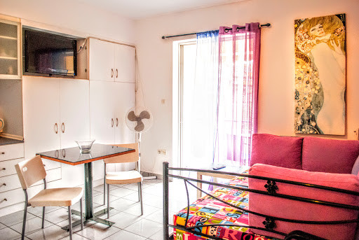 studio-apartment-athens-a55aa0a2347453fb
