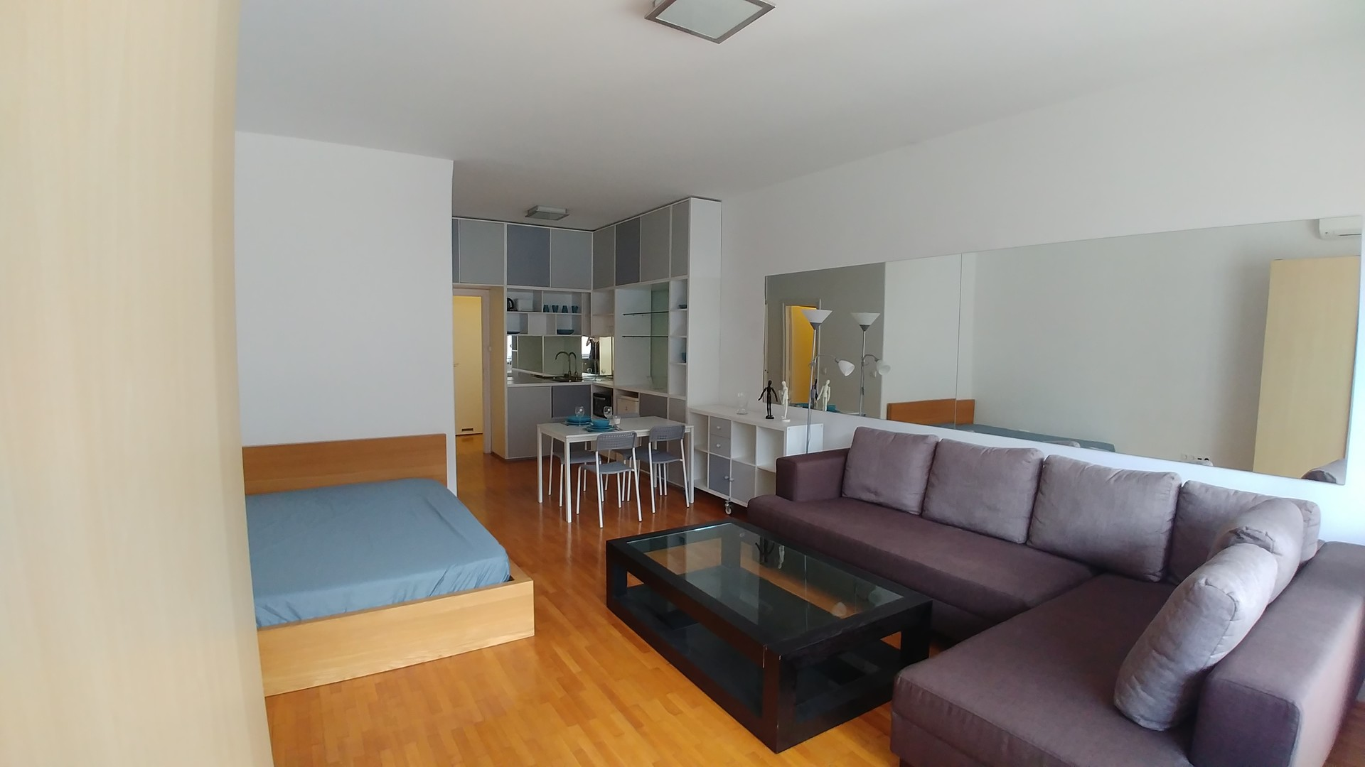 Studio Apartment In City Center With Terrace