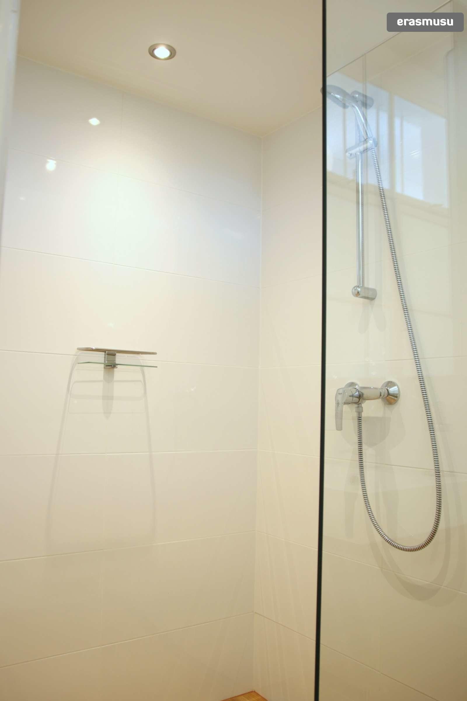 studio-apartment-rent-wahring-dd64ede876dcad850de5fe7e67ae06f1