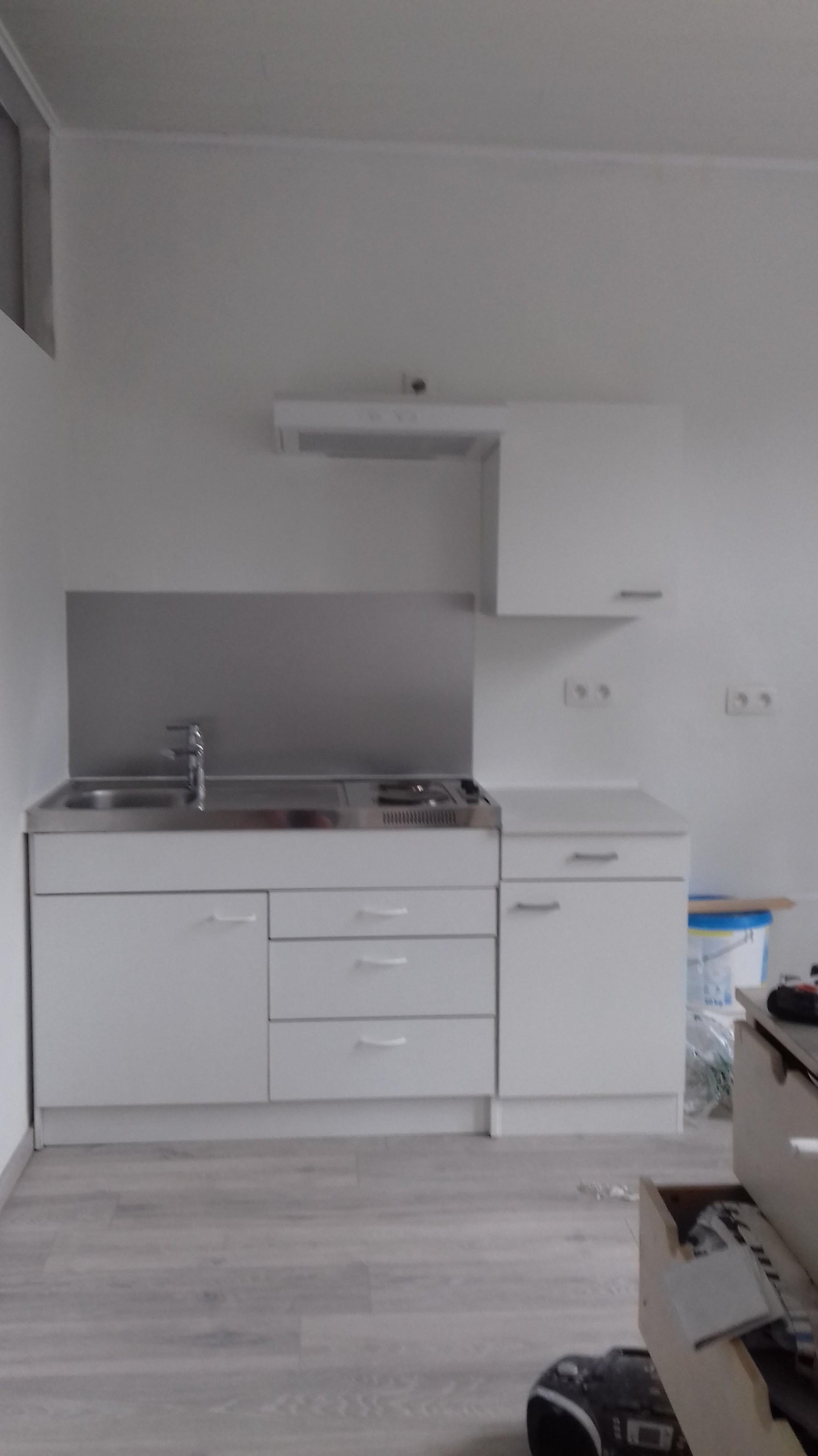 Studio Equipe Prix Ttc Avec Materiel De Cuisine Lit 1 Personne Meuble De Rangement